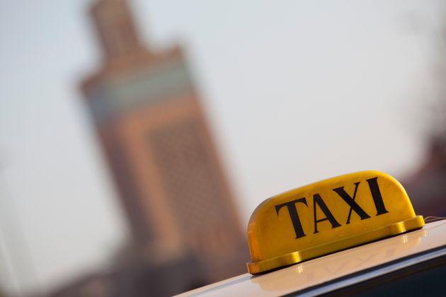 Fêtes de fin d'année et galères avec les petits taxis à