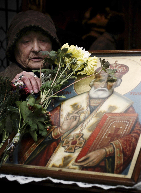 Σύλληψη 2 ανδρών για αφαίρεση χρυσών ταμάτων από την εικόνα του Αγίου Νικολάου