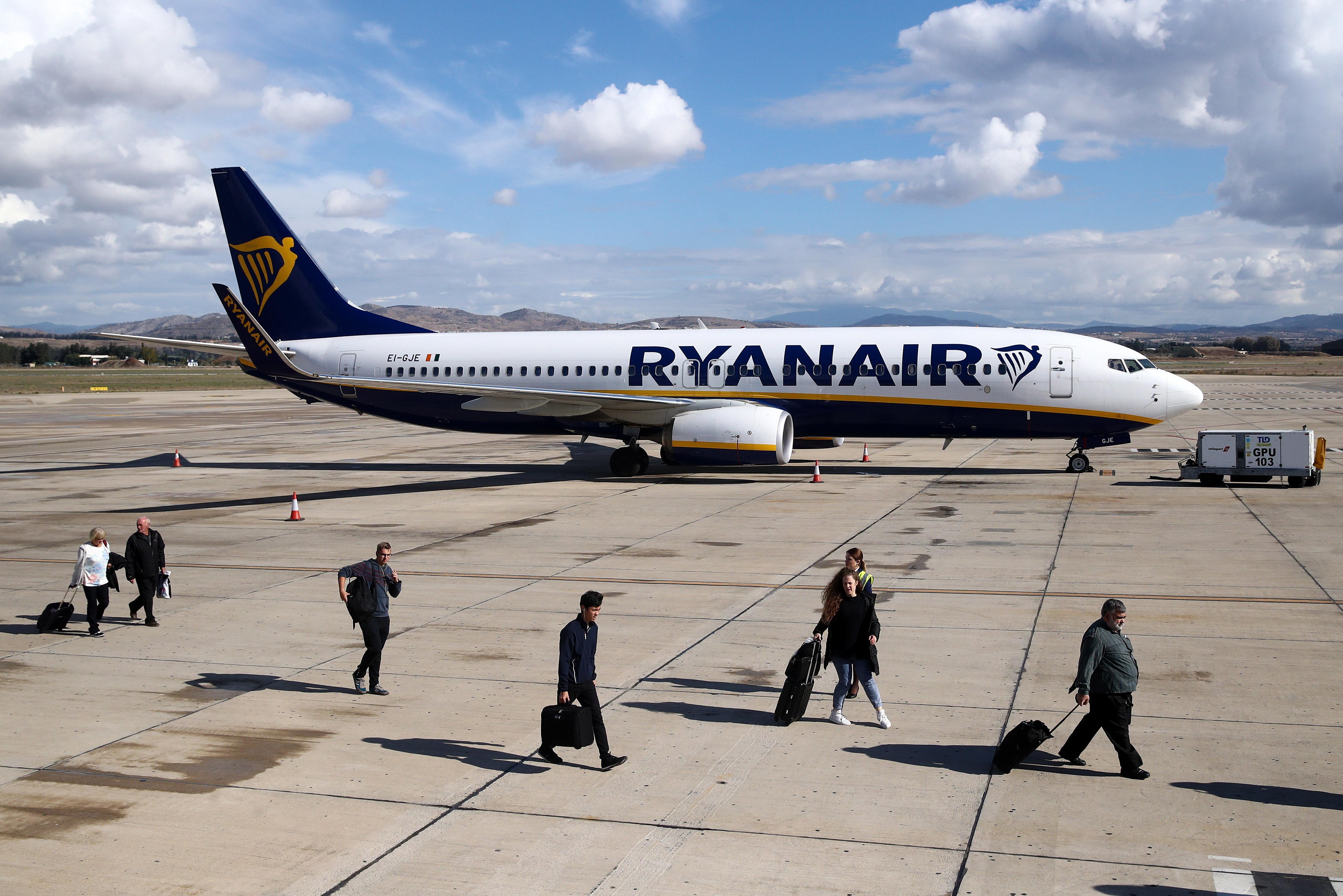 Ryanair-Personal verweigert Mitnahme: Junge im Rollstuhl aufs Rollfeld