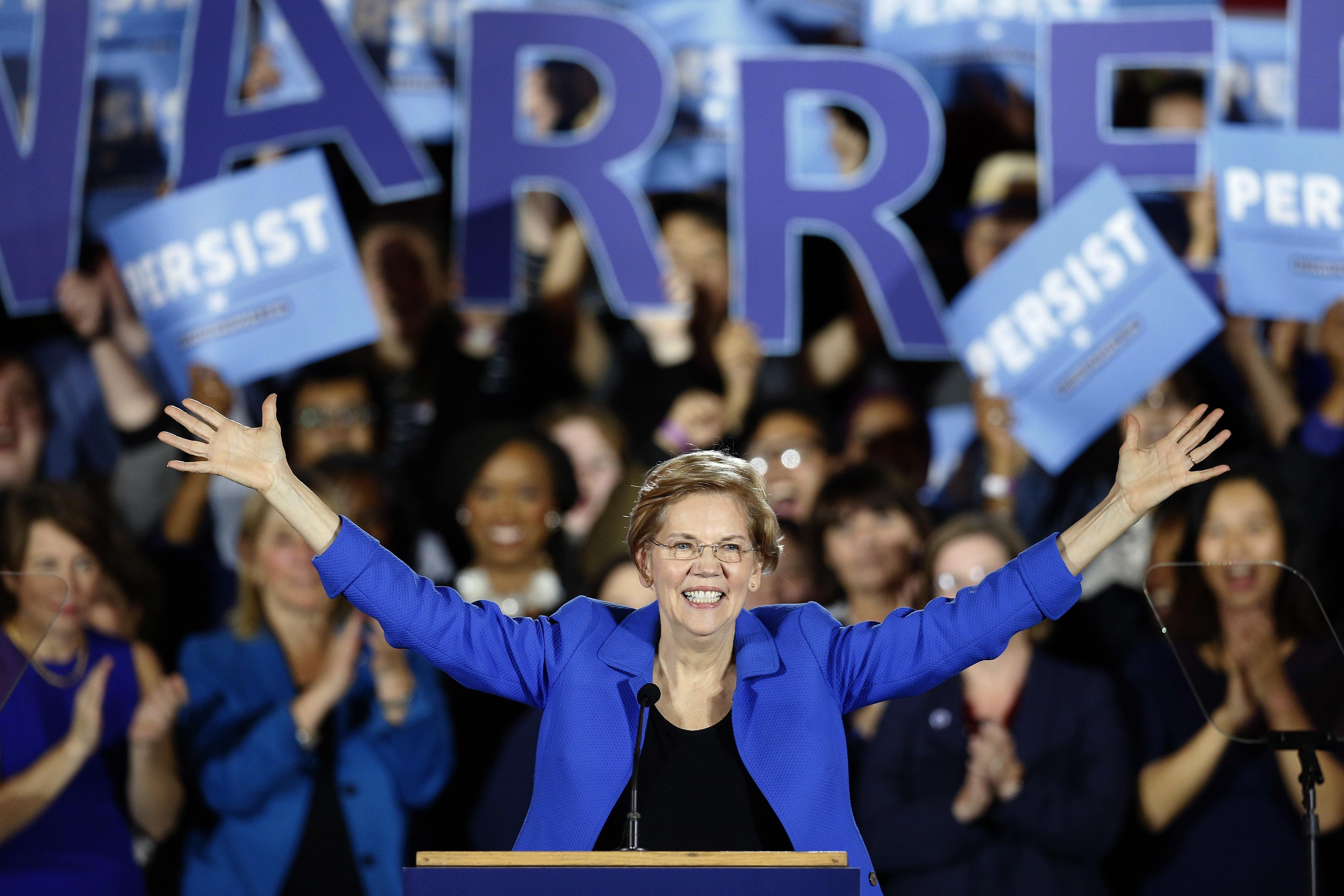 Elizabeth Warren bei einer Wahlparty im November.