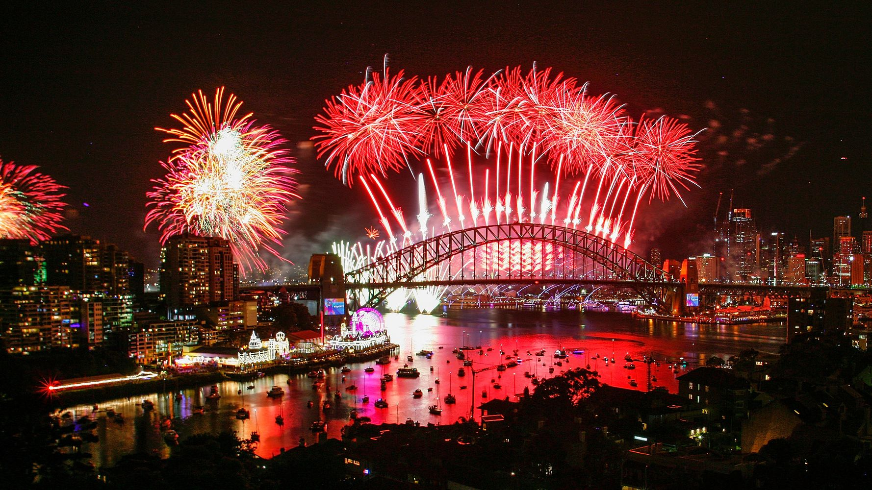 Watch Countries Around The World Celebrate New Year's Eve 2018  HuffPost