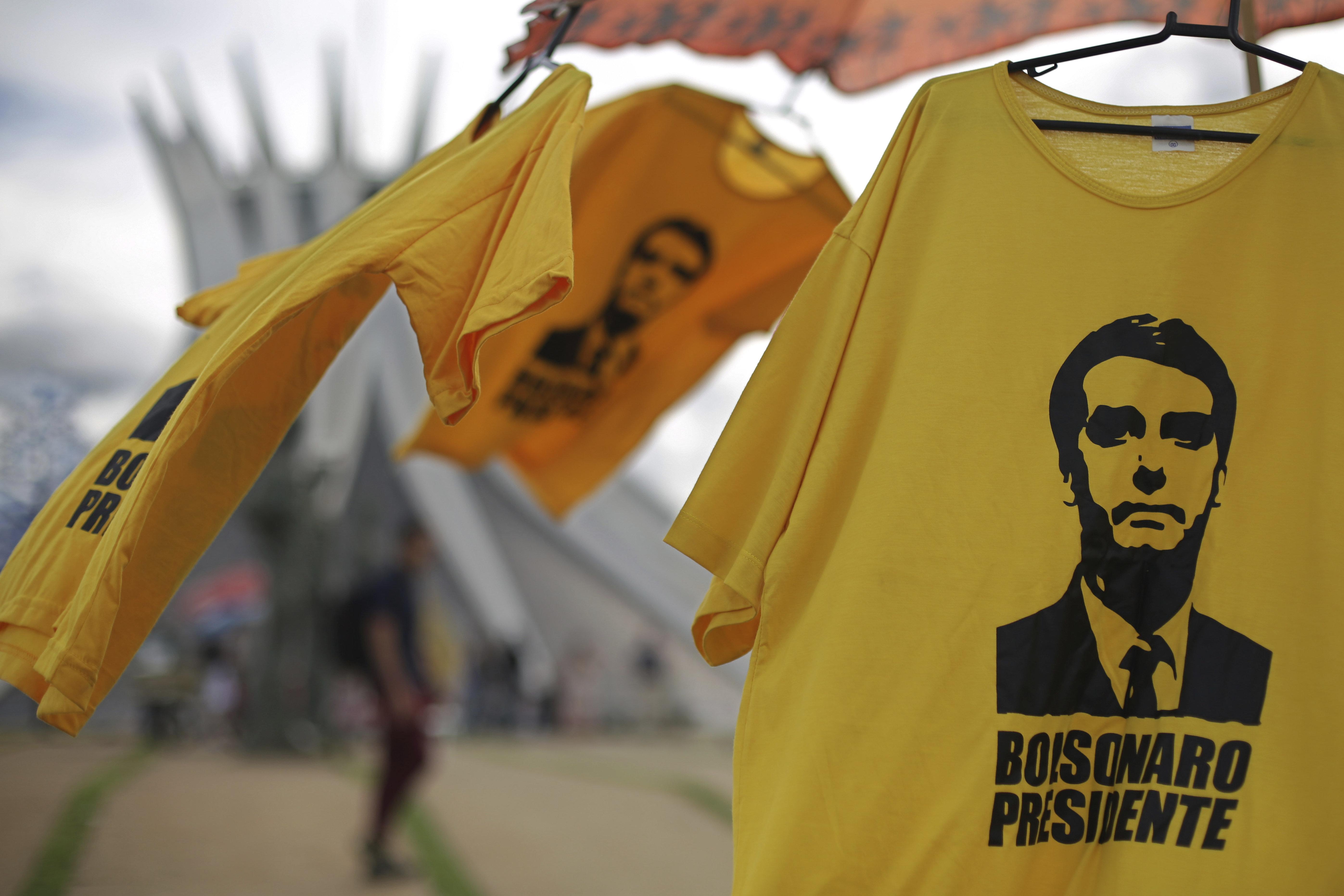 Bolsonaro devient président, le Brésil bascule dans