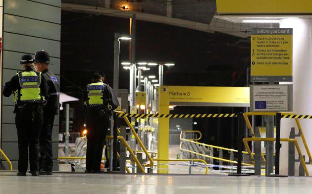 영국 맨체스터 흉기 난동 사건 수사에 테러 수사관들이
