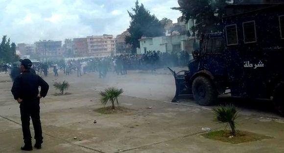 Coupe d'Algérie : 62 blessés dont 45 policiers lors du match interrompu entre CR Village Moussa - MC