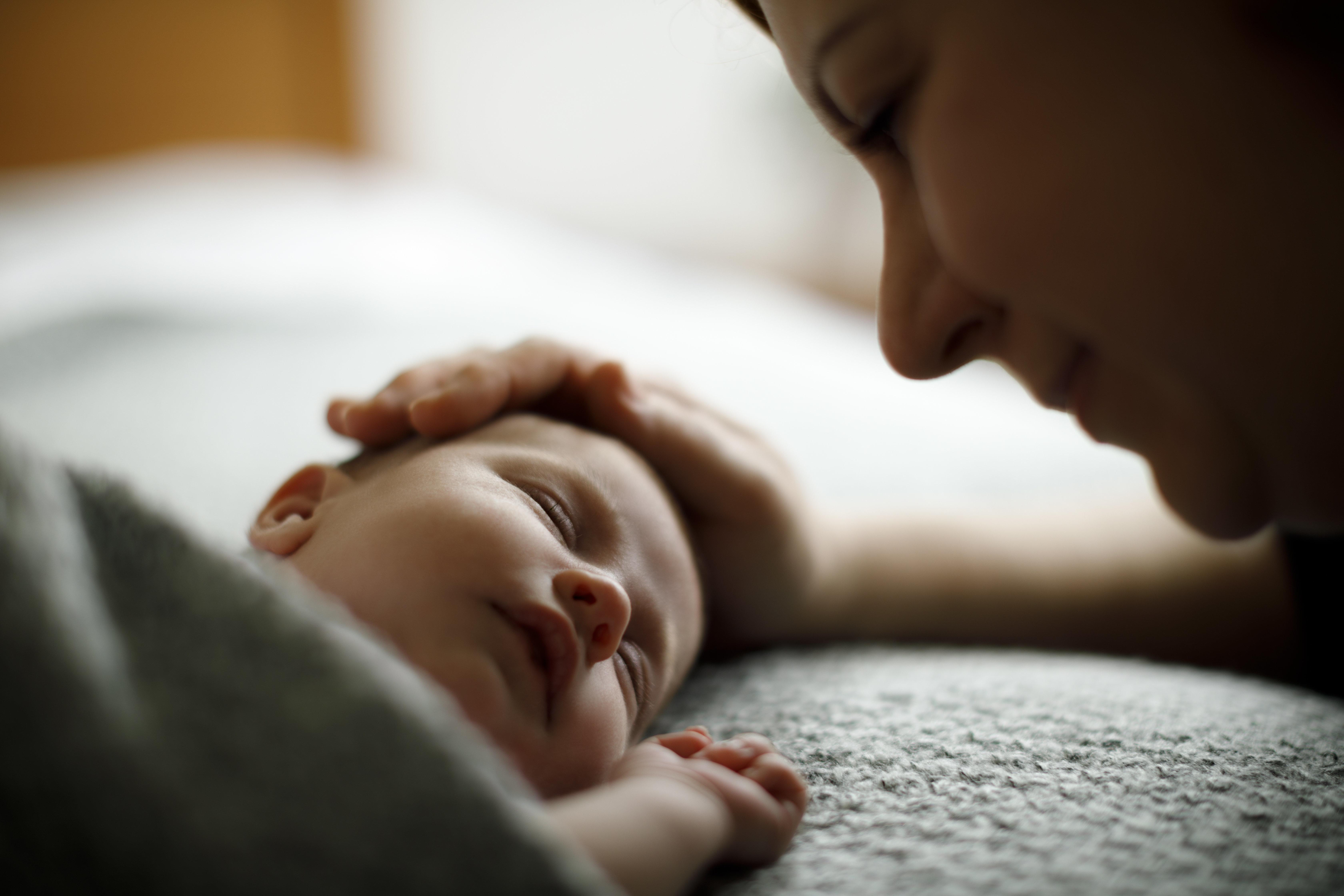 Du willst immer schlafen, dein Baby nie.
