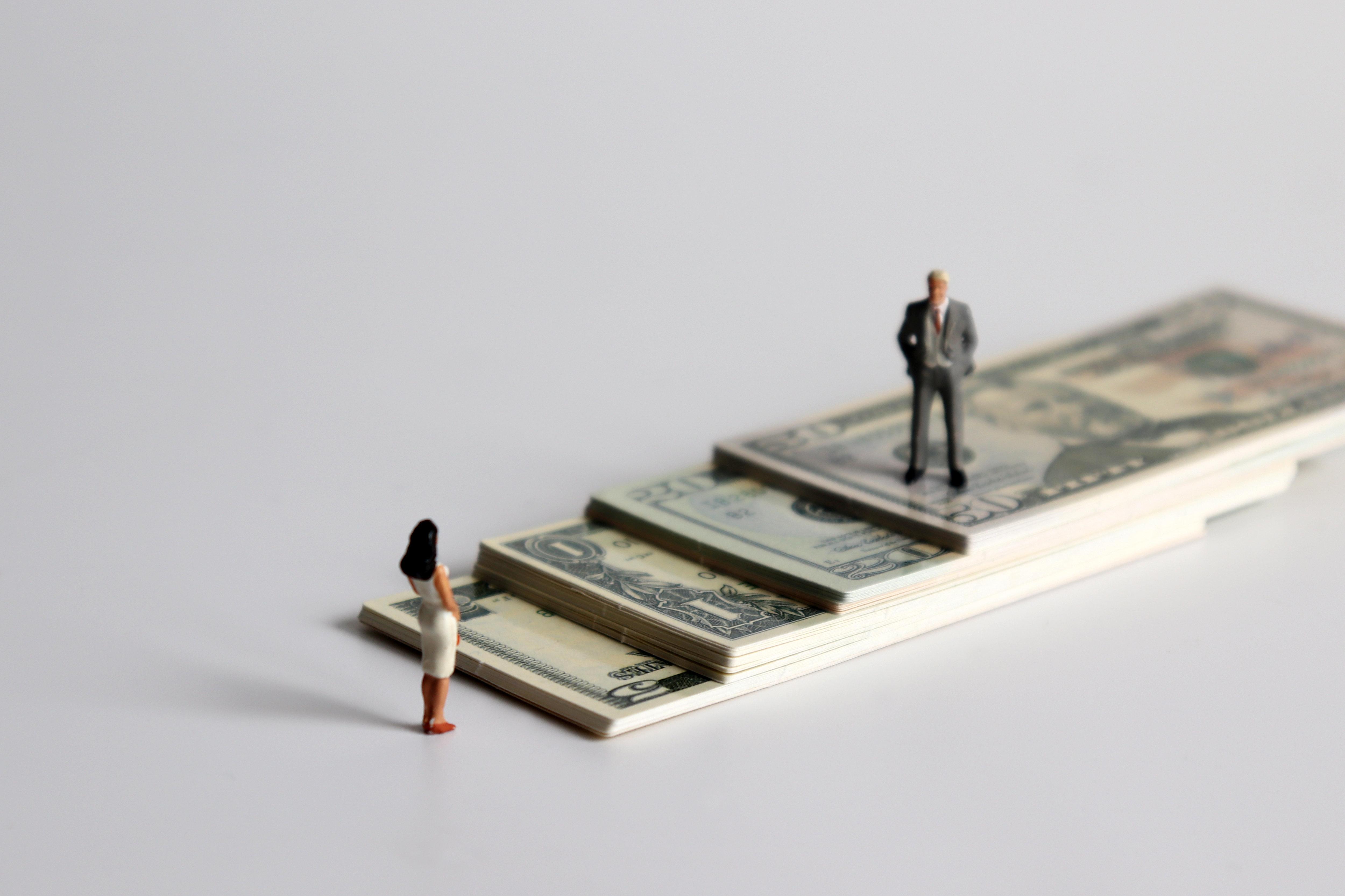 La Tunisie toujours loin de l'égalité salariale des genres, selon le Global Wage