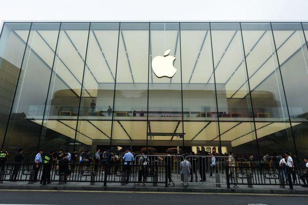 애플이 이례적으로 실적 전망치를 낮췄다. 중국, 아이폰