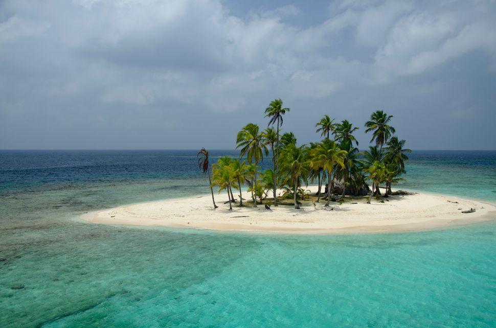 Tropical Island in the Kuna Yala, archipelago Panama, Central America