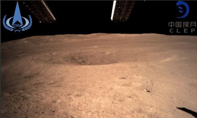 중국 달 탐사선 '창어 4호'가 인류 최초로 달 뒷면에