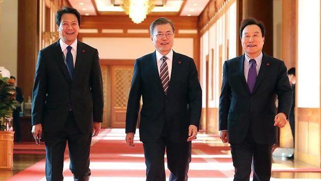청와대가 김광두 부의장 사표를 지난달 31일 수리했다고