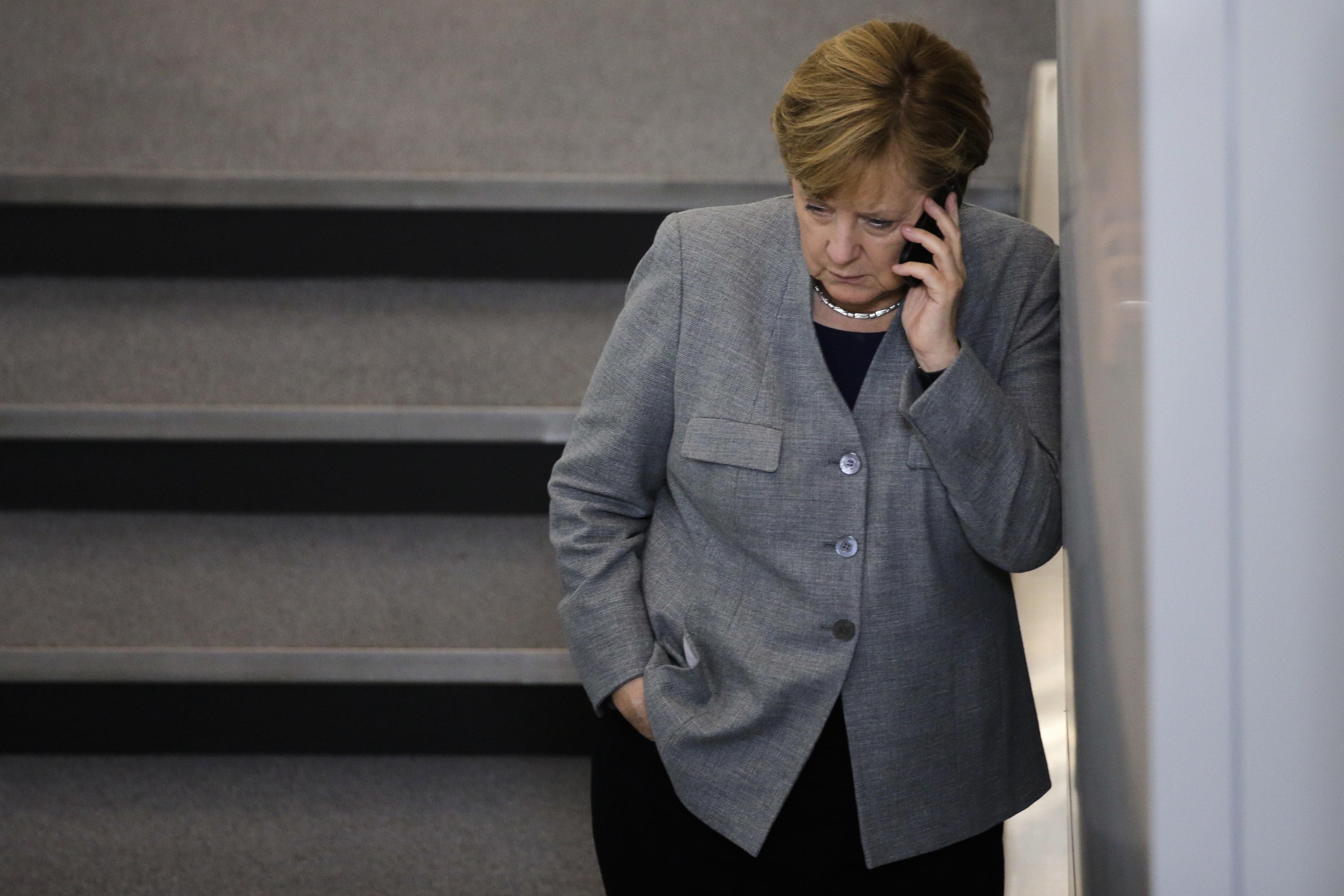 Μαζική επίθεση χάκερς κατά γερμανών πολιτικών - Θύμα και οι Μέρκελ,