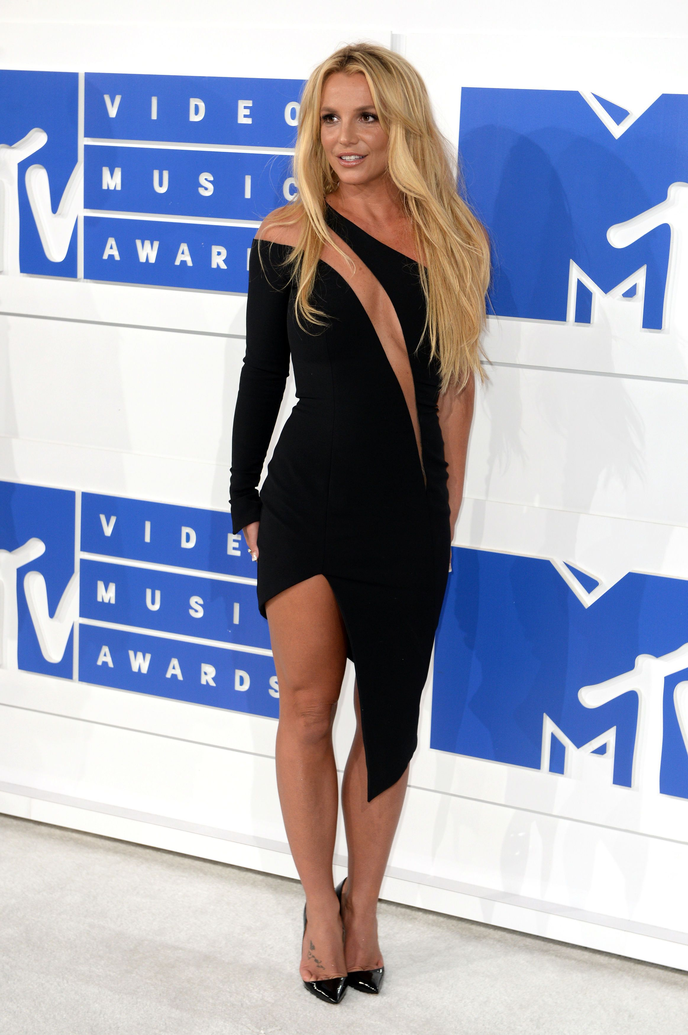 Britney Spears Announces 'Indefinite Work Hiatus' After Father Jamie Is Taken Seriously