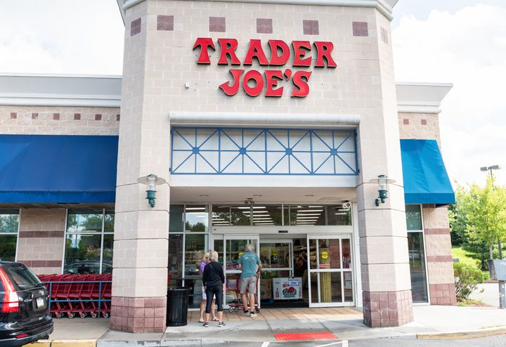"""I've had more emotionally revealing conversations with Trader Joe's cashiers than I have with some dudes I've dated."" — <a href=""https://twitter.com/slackmistress/status/955562351767445504"" target=""_blank"" rel=""noopener noreferrer"">@slackmistress</a>"