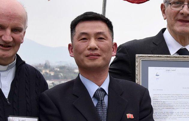 잠적한 조성길 북한 대사대리는 미국행을 원하는 것으로