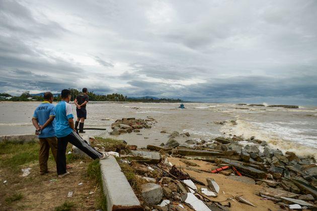 태국 남부에 폭풍 '파북'이 강타해 관광객 3만명이