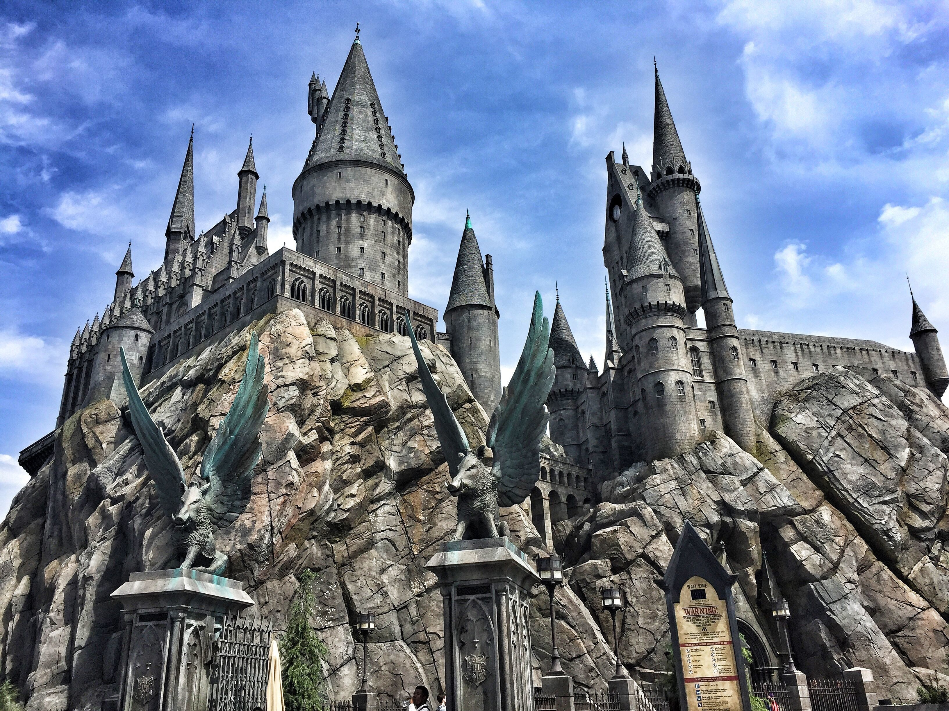 'Harry Potter' Fans Horrified By Grim Pottermore Tweet About Hogwarts