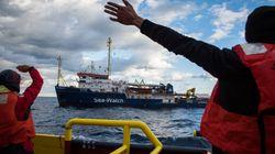 Migranten harren weiter im Mittelmeer aus –nun schaltet sich der Papst