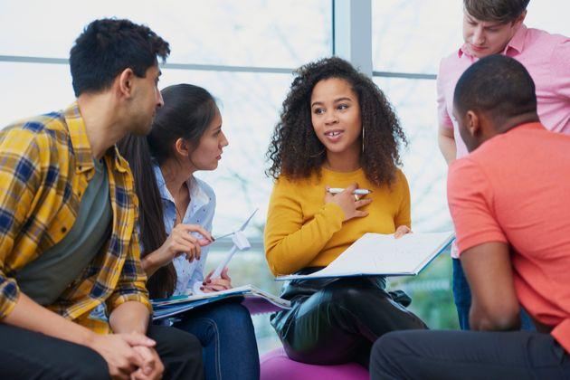 Des personnalités françaises lèvent la voix contre l'augmentation des frais d'université pour les étudiants