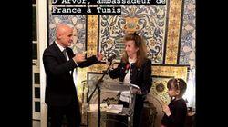 L'écrivaine tunisienne Hélé Béji décorée Chevalier de la légion d'honneur par Olivier Poivre