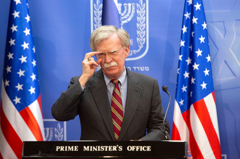 '조건이 있다' : 존 볼턴이 미국의 시리아 철군 연기 가능성을