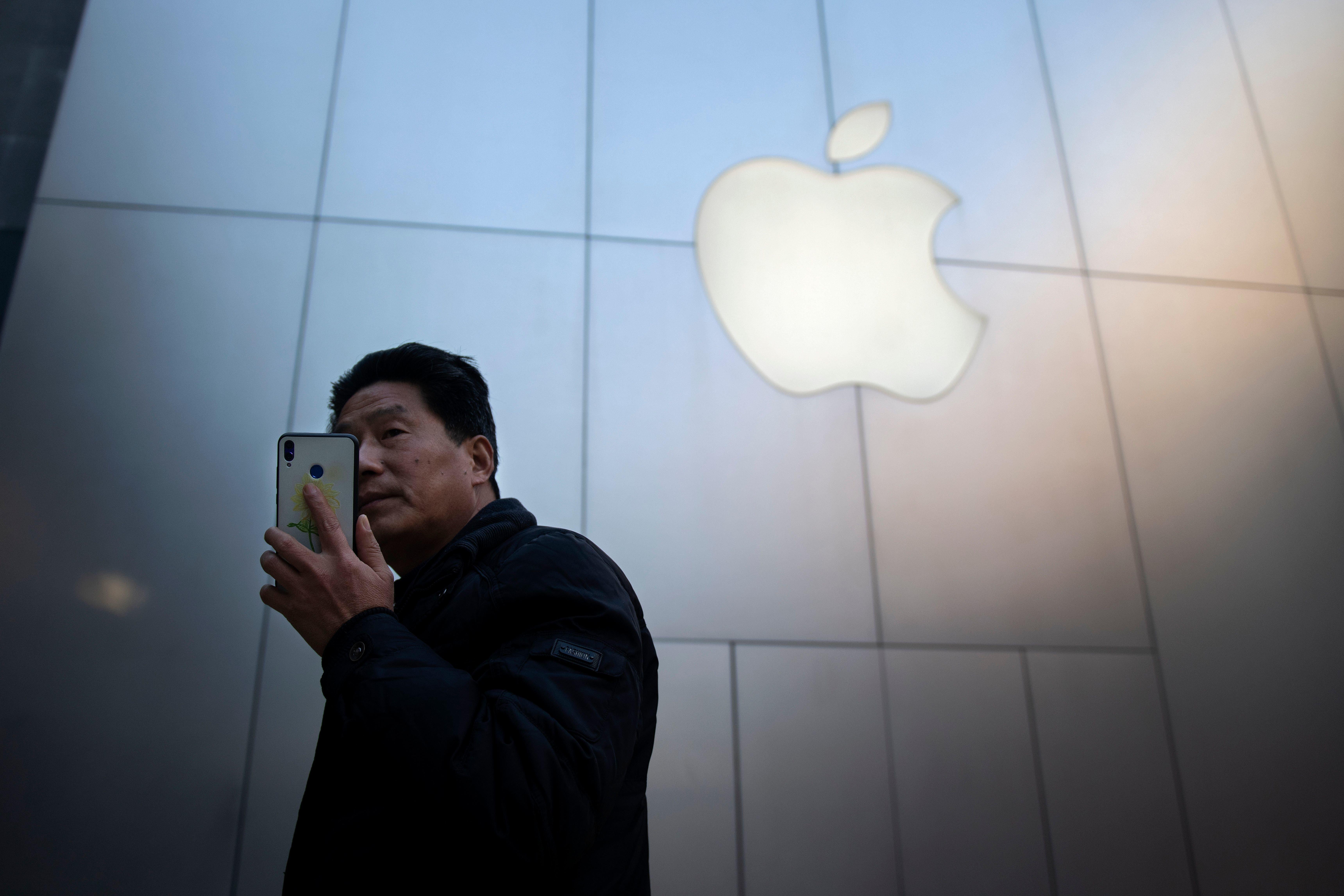 '애플 위기설'을 이해하려면 이 두 가지를 봐야