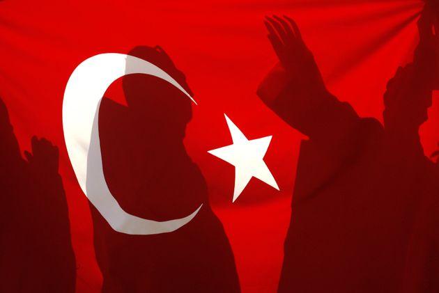 Γιατί ο Ερντογάν δεν δικαιούται δια να ομιλεί περί