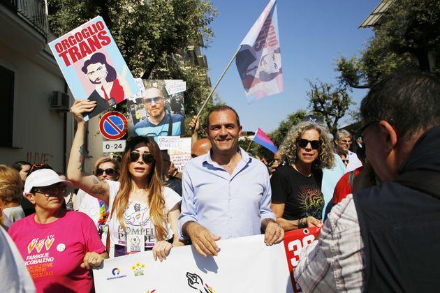 De Magistris bei einer Demonstration für die Rechte von Homosexuellen im Sommer in Neapel.