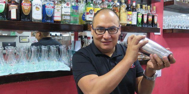 Esse imigrante peruano, que chegou ao centro de São Paulo com 250 dólares, criou uma rede de restaurantes...
