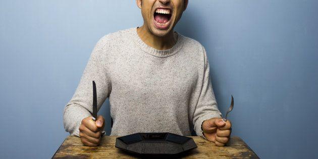 Quando ficamos sem comer, nossos níveis de glicose ficam baixos etendemos a ficar emocionalmente