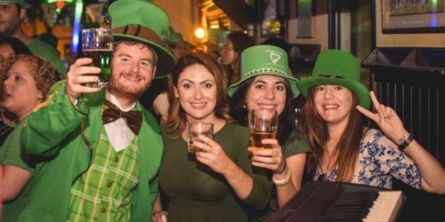 O pub irlandês O'Malley's Bar terá programação especial, cerveja verde e banda