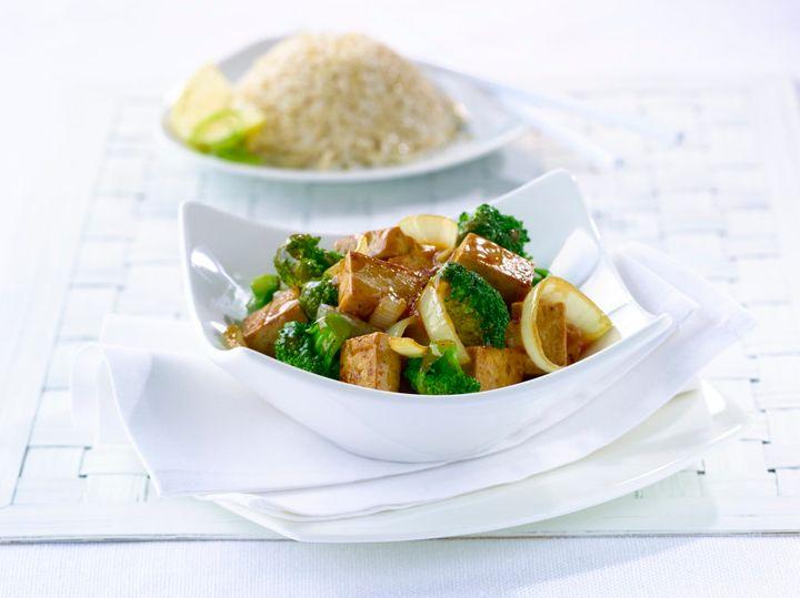 Tofu fortificado é uma excelente fonte vegetariana de vitamina B12.