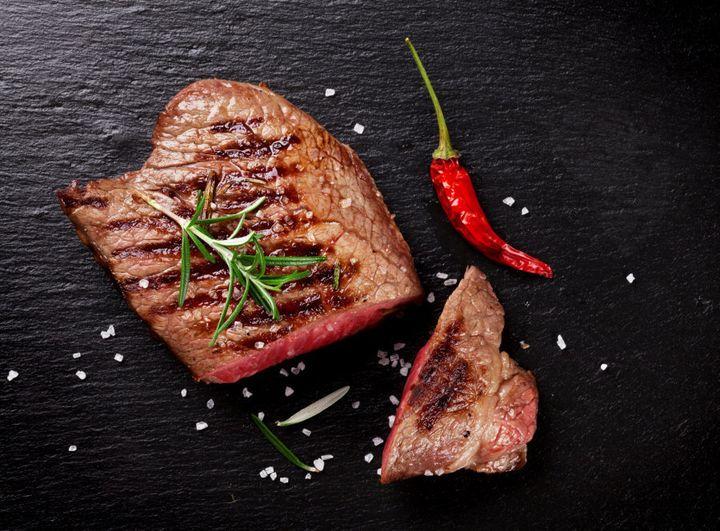 A carne vermelha é uma das melhores fontes de ferro.