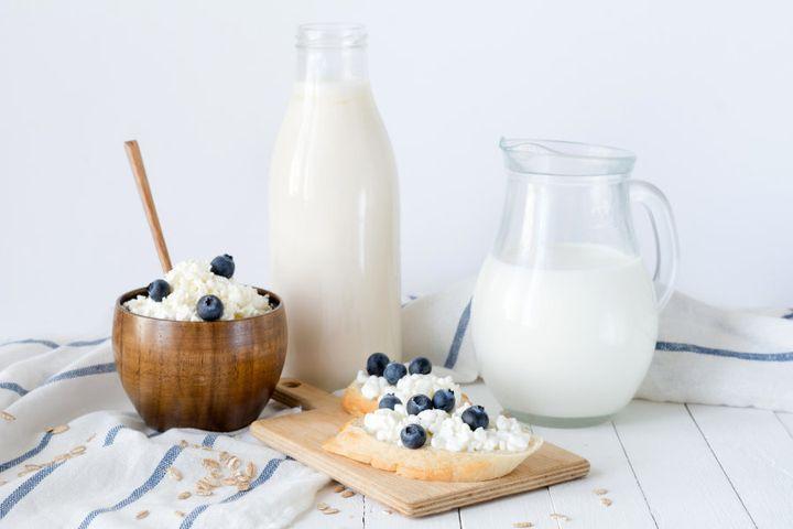Derivados do leite são uma ótima fonte de cálcio e vitamina B12.