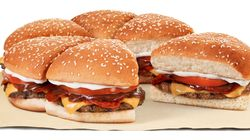Pizza de hambúrguer já é realidade: Burger King cria sanduíche gigante por tempo