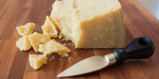 Algumas excelências da gastronomia italiana podem acabar na mira da OMS, como o queijo Parmigiano Reggiano,...