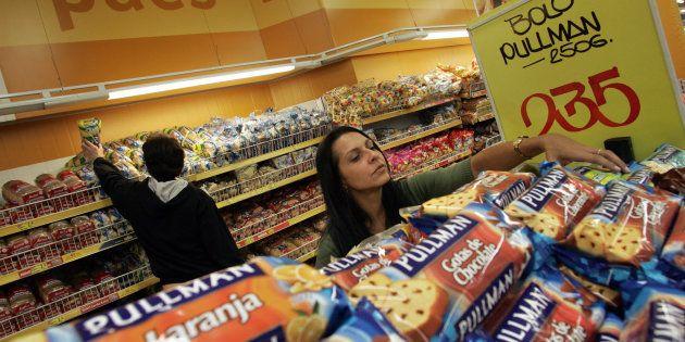 Brasileiros consomem 50% a mais de açúcar do que o recomendado pela Organização Mundial da Saúde.