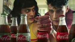 Um comercial da Coca-Cola. A paixão pelo mesmo homem. E a busca pela