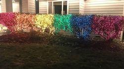 Uma decoração de Natal. Um homofóbico. E o amor que supera o