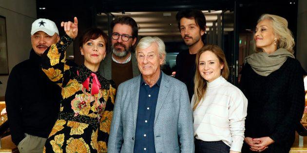 Paul Verhoeven (centro), aclamado este ano com o filme-provocação 'Elle', preside o júri internacional...