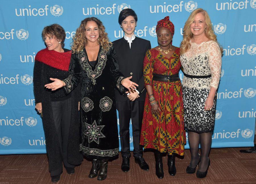 Dena Kaye, Daniela Mercury, Kristian Kristov, Angelique Kidjo e Menchi Barriocanal no lançamento da campanha...
