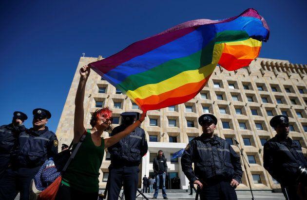 Corpo encontrado carbonizado era de jovem gay assassinado pela
