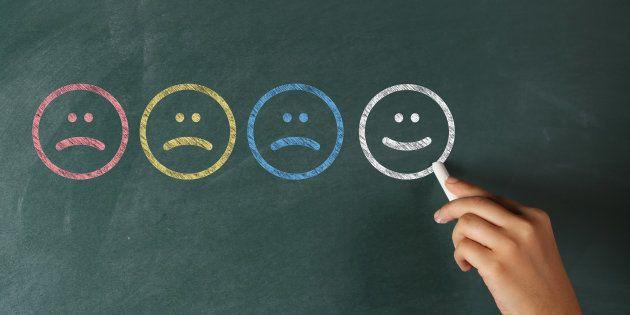 É possível controlar as próprias emoções, escreve