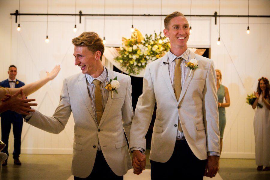 As fotos dos primeiros casamentos LGBTs da Austrália ficaram