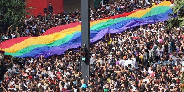 Neste domingo, a 22ª edição da Parada desce a Avenida Paulista pedindo maior participação LGBT na política,...