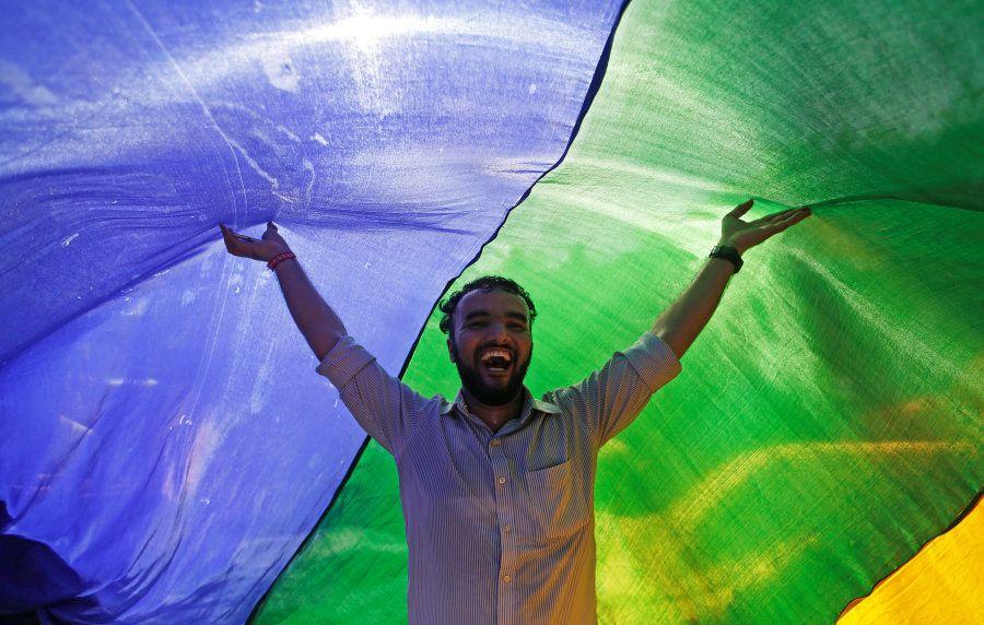 Nesta quinta-feira (6), de forma unânime, a Suprema Corte indiana descriminalizou a homossexualidade...