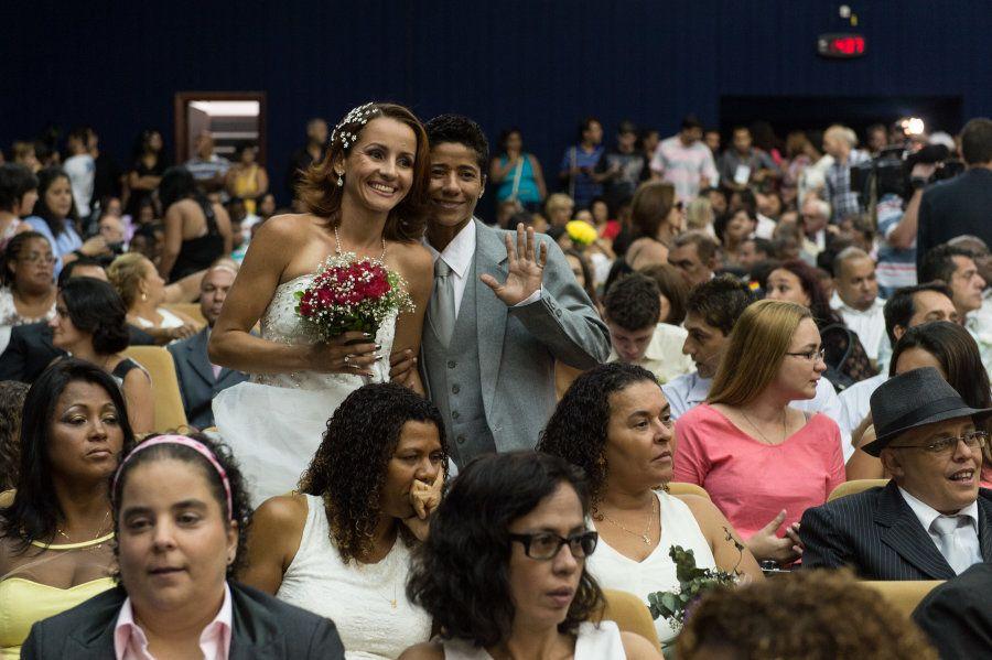 Uma opção sem custo é o casamento coletivo promovido por Secretarias municipais espalhadas pelo