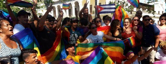 Grupo de ativistas LGBT em