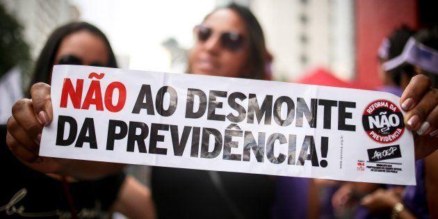 Em São Paulo, milhares protestaram em março contra reforma da