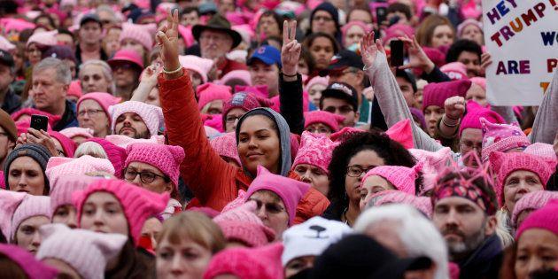 Manifestantes se reúnem na Marcha das Mulheres em Washington em