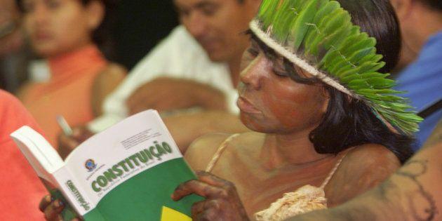 Colunista rebate textos publicados pela Folha e Estadão e defende Constituição de